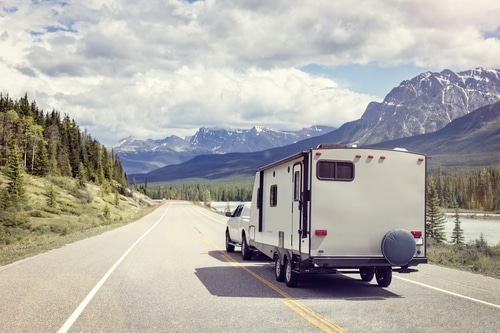 Summer in Michigan: 6 Tips for Safe Boat and RV Towing