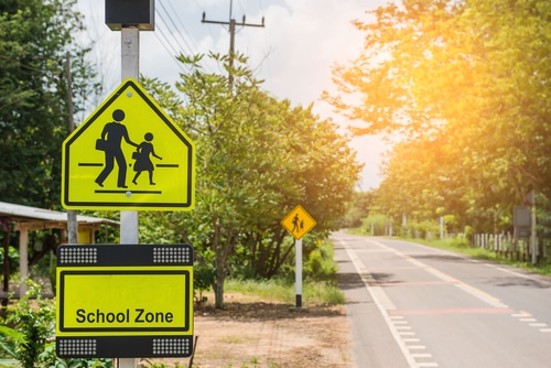 6 Ways to Avoid School Zone Hazards