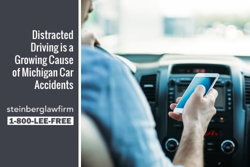 12 Ways to Avoid Driving Distracted in 2019